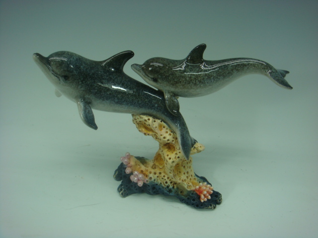 olyresin Dolphins on Coral